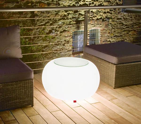 Moree Bubble, beleuchteter Tisch, mit Sicherheitsglasplatte, Ø 68 cm, H 41 cm, Oberfläche Ø 40 cm, Polyethylen, seidenmatt, weiß, mit E27 (230 V) Energiesparlampe, für Außen