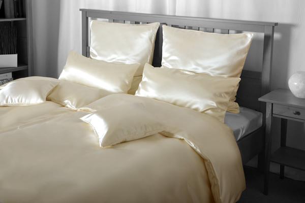 Seiden-Bettwäsche, cremefarben, elegeanter Luxus-Seiden-Bettbezug, hochwertig genäht und haltbar verarbeitet aus mittelschwerem Seidengewebe