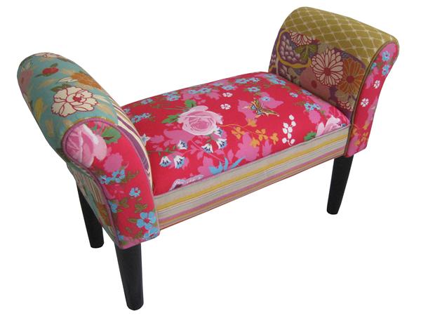 "Bank / Sitzbank ""Ruby"", gepolstert, Motiv Patchwork, Bezug aus Stoff, 100% Baumwolle, dunkle Holzfüße, B75 x H51 x T31 cm"