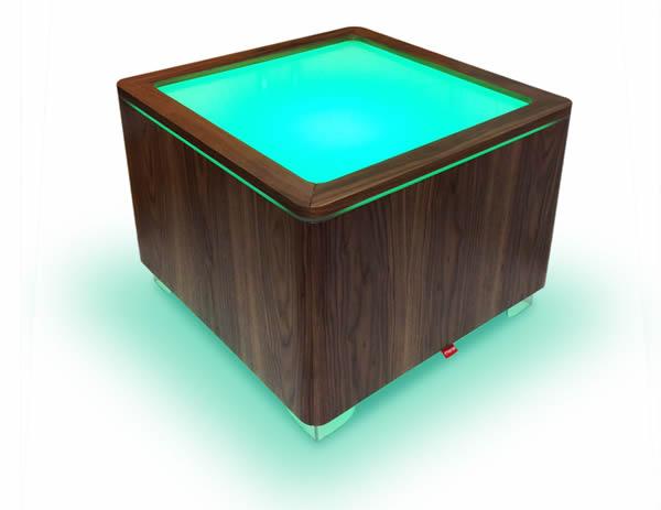 Moree Ora Leucht-Tisch mit Holzkorpus, LED beleuchtet, L 60 cm, W 60 cm, H 45 cm, mit Glasplatte, nußbaum, mit E27 (230 V) Vielfarben LED, mit Fernbedienung, für Inne