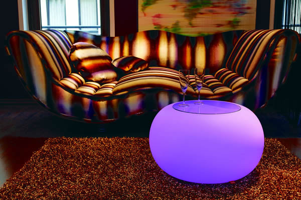 Moree Bubble, LED beleuchteter Tisch, mit Sicherheitsglasplatte, Ø 68 cm, H 41 cm, Oberfläche Ø 40 cm, Polyethylen, seidenmatt, weiß, mit E27 (230 V) Vielfarben LED, mit Fernbedienung, für Innen