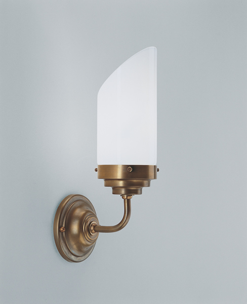 Wandleuchte, Messing handpatiniert, Glas weiß glänzend, Ausladung 14 cm, 230 V, 1 x E27 40 W