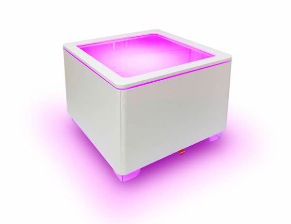 Moree Ora Leucht-Tisch mit Holzkorpus, LED beleuchtet, L 60 cm, W 60 cm, H 45 cm, mit Glasplatte, weiß seidenmatt, mit E27 (230 V) Vielfarben LED, mit Fernbedienung, für Inne